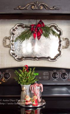 the Rainbow Christmas Tree year? Far Above Rubies-How I Found My Style Sundays- Christmas Edition- From My Front Porch To Yours - I love the plate on the stove filled with Christmas goodies! Merry Little Christmas, Noel Christmas, Christmas Goodies, Rustic Christmas, Winter Christmas, All Things Christmas, Christmas Crafts, Christmas Ideas, Christmas Island