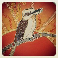 Kookaburra - dot painting Aboriginal Art Animals, Aboriginal Symbols, Aboriginal Painting, Dot Painting, Australian Animals, Australian Art, Kunst Der Aborigines, Animal Templates, Indigenous Art