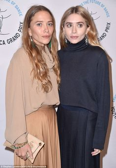 Just like in their youth, Mary-Kate Olsen-Sarkozy (L) and her sister Ashley Olsen (R) opted to coordinate in matching outfits for the sold-out Youth America Grand Prix in Manhattan on Thursday Mary Kate Olsen, Mary Kate Ashley, Elizabeth Olsen, Ashley Olsen Style, Olsen Twins Style, Olsen Fashion, Work Fashion, Fall Fashion, Style Fashion