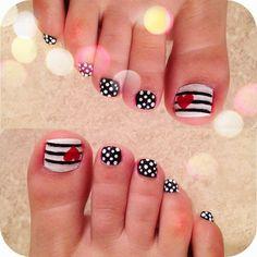 Heart nail designs for toes ~ cute toe nails toes nail art pretty Simple Toe Nails, Cute Toe Nails, Summer Toe Nails, Toe Nail Art, Easy Nail Art, Pretty Nails, Nail Art Designs, Pedicure Nail Designs, Manicure E Pedicure