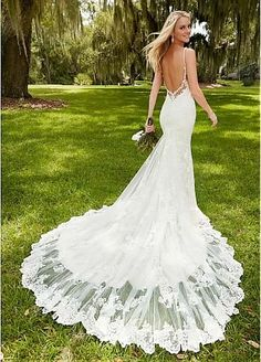 Elegant Tulle Spaghetti Straps Neckline Mermaid Wedding Dresses With Lace Appliques