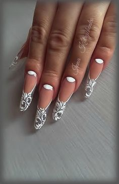 Nail Art Decoration With Rhinestones And Glitter Acrylic Nail Designs, Nail Art Designs, Acrylic Nails, Vintage Nails, Edge Nails, Bride Nails, Wedding Nails Design, Beautiful Nail Designs, Gorgeous Nails