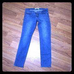 Hollister SoCal Stretch Laguna Skinny Jeans Hollister SoCal Stretch Laguna Skinny Jeans size 9 barely worn. Hollister Jeans Skinny
