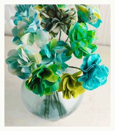 easy gifts to make - fabric flowers | ClothPaperScissors.com