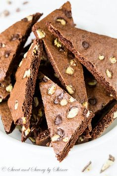 Andes Mint Brownie Crisps ~Sweet & Savory by Shinee Funnel Cake funnel cake recipe with self rising flour Andes Chocolate, Decadent Chocolate, Chocolate Flavors, Chocolate Cake, Cake Recipe With Self Rising Flour, Brownie Brittle, Mint Brownies, Chocolate Cheesecake, Unsweetened Cocoa
