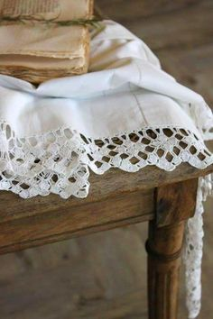 I love French country style, shabby chic , romantic and white style. This is just random things I love. White Cottage, Cottage Style, French Cottage, Cozy Cottage, Shabby Cottage, French Country, Fresh Farmhouse, Farmhouse Style, Linens And Lace