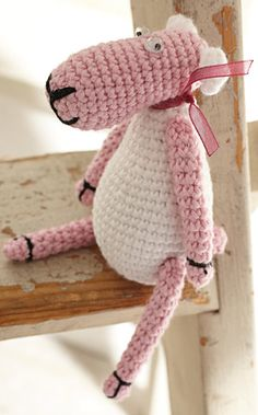 free pattern sheep! In Dutch, but I can't get the translation. xox