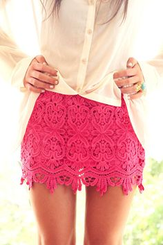 We are crushing on this lace skirt!. .x #Style #Inspo #Crush #Peace #Love #Fashion #Lace #Skirt #Missguided