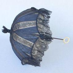 Cute Umbrellas, Umbrellas Parasols, Ivoire, Vintage Items, Romance, Japanese, Antiques, Umbrellas, 19th Century