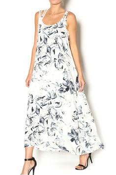 Loose, floating maxi dress in a floral print with cotton lining underneath. Perfect for a summertime cocktail party. Pair with a strappy sandal and bright clutch for a pop of color.   Printed Maxi Dress by beulah. Clothing - Dresses - Casual Clothing - Dresses - Maxi Clothing - Dresses - Floral New York City Manhattan, New York City