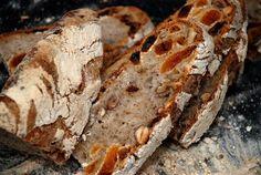 Erka Perkas Kök: Lucka 7: Surdegsbröd med nötter och frukt