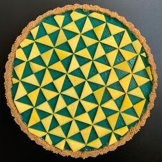 Seahawks Colors, Lemon Curd Tart, Blue Spirulina, Pie Dish, Foto E Video, How To Make, Food, Tarts, Baking