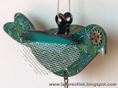 Layers of ink: Three Happy Birds, tutorial to make three different dimensional birds, using Eileen Hull's Sizzix Bird Scoreboard die, Tim Holtz embossing folder and Idea-ology pieces, ink, paint, stencils and mist. Full tutorial here: http://layersofink.blogspot.com/2013/04/three-happy-birds.html