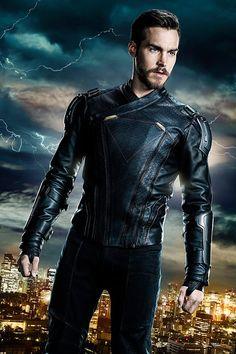 First Look of Mon-el as a member of Legion of Superheroes