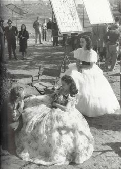 Scarlett O'Hara (Vivien Leigh) and her stunt behind the scenes of Gone With The Wind (1939)