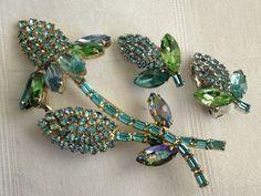 Wonderful!!! Vintage WEISS Rhinestone Brooch & Earrings Signed Circa=lexi32565alexis (seller) ebay.com