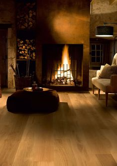 Quickstep Palazzo Honey Oak Oiled engineered wood flooring has wonderfully warm, rich tones that are bound to create a smooth and luscious atmosphere wherever you decide to lay it.