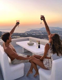 🥂 Cheers to the weekend and adventures with your best friend! 💘 ↡ 📍Travel couple goals made by and in France 🇫🇷 and remember, tag us or use so we can feature your photos! Couple Luxe, Rich Couple, Luxury Couple, Instagram Worthy, Photo Instagram, Instagram Travel, Wedding Couples, Cute Couples, Wedding Gifts