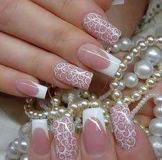 piano nail art | Nail art sposa 2015: Smalti delicati e bon ton