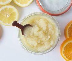 Gesichtspeeling gegen unreine Haut mit Salz und Zitrone