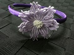 Combed flower band