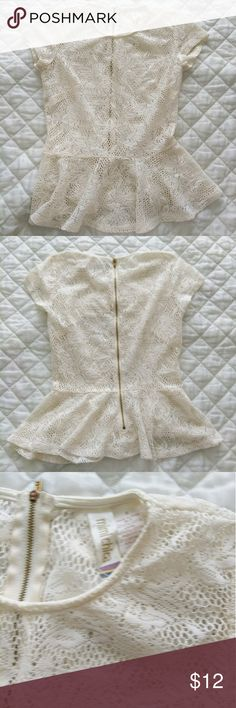 Mimi chica crochet lace peplum top This is a Mimi Chica cream crochet lace prelim top. There is a zipper back.  Size small but fits more like an XS. Excellent condition! Mimi Chica Tops