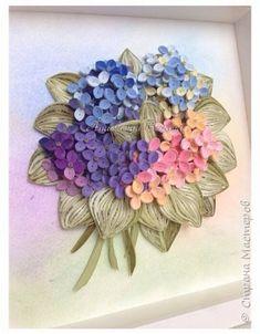 Всем доброго времени! Сегодня у меня гортензия. Много маленьких разноцветных цветочков, собраны в маленький яркий букетик. Для цветочков использовала полосочки 1,5 мм 14-ти оттенков. Для листьев: полосочки 3 мм 3-х оттенков. Формат 23*23 см, фон - сухая пастель. фото 7