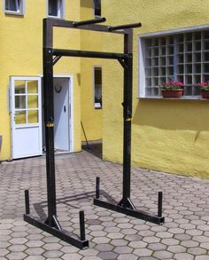 Time to highlight an awesome piece of DIY equipment. After seeing the Car Rims Squat Stand post reader Rolf shared his DIY Yoke Squat Stand construction with me. This thing can replace your entire gym. Below is Rolf's explanation. Stats Total Weight of the Yoke (w/o the dip attachment): 60kg Cost for Material: around 150 EUR …