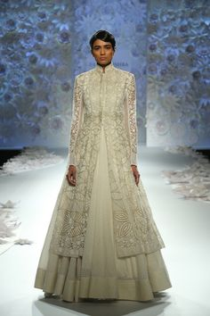 From Manish Malhotra to Rohit Bal, we have rounded up the top lehenga choli designs for Let's see which Indian lehenga trends will rule 2017 weddings! Indian Lehenga, Lehenga Choli, Indian Attire, Indian Ethnic Wear, Frock Fashion, Fashion Outfits, Women's Fashion, Indian Dresses, Indian Outfits