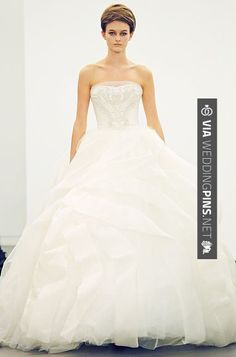 "Sweet! - Vera Wang's New Wedding Dress 2013Collection ""All about lace"". I sooo much love this dress 