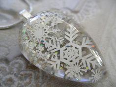 I love this...I love snowflakes! :)