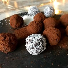 Everything You Need To Know About Cacao - Healthy Food Raw Diets Rum Truffles, Breakfast In A Jar, Raw Cacao Powder, Cacao Beans, Love Chocolate, Coconut Flakes, Raw Vegan, Food Processor Recipes, Healthy Lifestyle