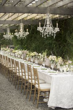 Stunning ... Communal wedding reception at Good Earth Winery, Niagara-on-the-Lake, Ontario