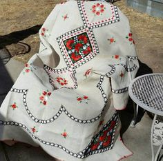 Romanian Embroidered Linen Tablecloth  #romanian #gypsy #bohochic #jungalow  #embroidered #linen #tablecloth   Etsy shop https://www.etsy.com/listing/517638957/romanian-embroidered-linen-tablecloth