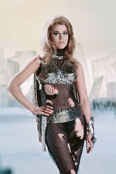 Jane Fonda as 'Barbarella' Costume Designers: Jacques Fonteray and Paco Rabanne Barbarella Comic, Jane Fonda Barbarella, Vintage Humor, Funny Vintage, Vintage Hipster, Scene Photo, Polished Look, Movie Stars, Photos