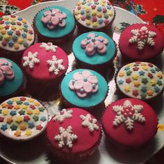 Vanilla cupcakes with chocolate cookies decorated with fondant!!!