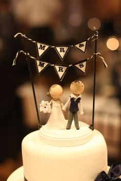 Custom Wooden People Wedding Cake Topper!! Super cute, and they look just like the bride and groom! Mr & Mrs