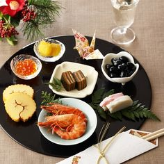 Japanese New Year, Japanese Food, New Year Table, Food Presentation, Home Kitchens, Sushi, Dessert Recipes, Dishes, Table Decorations