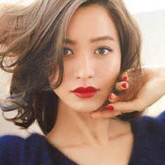 Love the hair Beauty Trends, Beauty Hacks, Bob Hairstyles, Wedding Hairstyles, Short Hair Cuts, Short Hair Styles, Mid Length Hair, Asian Makeup, Hair Makeup