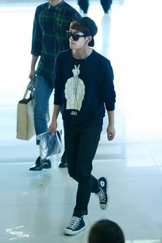 Onew ' Gimpo Airport ' // 130610