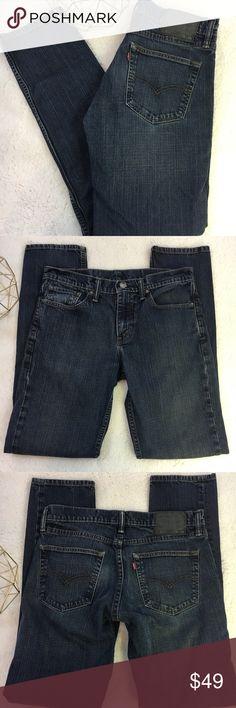 "Men's Levis 511 dark wash denim jeans 32x34 Men's Levi's 511 dark wash denim jeans 32 waist, 34 length. Excellent condition. Smoke free home. (A27)  Measures approximately: Rise 10"" Inseam 32"" Length 42"" Levi's Jeans Straight"