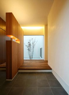 I like the wood divider. it's not all the way to the ceiling. Not sure about the lights in it. Japanese Home Design, Japanese Interior, Japanese House, Contemporary Interior, Modern Interior Design, Interior Architecture, Bedroom Minimalist, Minimalist House Design, Minimalist Home