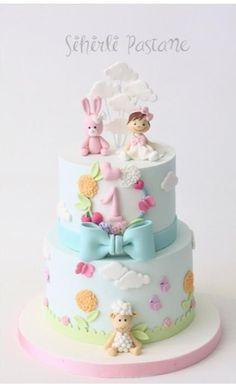 Baby Girl First Birthday Cake by Sihirli Pastane - cake pictures baby cake - first birthday cake-Erster Geburtstagskuchen 1st Birthday Cake For Girls, Baby Birthday Cakes, Bolo Laura, Baby Girl Cakes, Cake Baby, Bolo Cake, Celebration Cakes, Shower Cakes, Cupcake Cakes