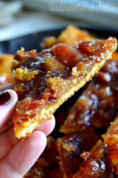 easy fun dessert recipes, quick summer dessert recipes, fruit dessert recipes - This Maple Caramel Bacon Crack is to-die for! Such an easy, foolproof dessert or appetizer that's loaded with buttery maple caramel and crispy, smoky bacon. Bacon Recipes, Appetizer Recipes, Dessert Recipes, Cooking Recipes, Cake Recipes, Recipes Dinner, Breakfast Appetizers, Bacon Appetizers, Fruit Dessert