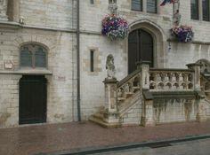 Forum Eerste Wereldoorlog :: Bekijk onderwerp - 14-18 Toen & Nu Stadhuis Dendermonde