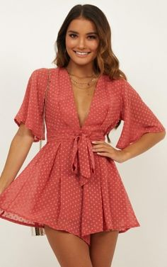 romper for round one of sorority recruitment Cute Dresses, Casual Dresses, Casual Outfits, Fashion Dresses, Cute Outfits, Short Sleeve Dresses, Girly Girl Outfits, Como Fazer Short, Summer Outfits