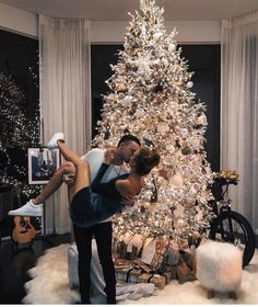 Best Merry Christmas Love Quotes, romantic messages and wishes for her and him. Wish your Girlfriend or boyfriend with Christmas love sayings images and make them emotional. Christmas Is Over, Christmas Couple, Couple Christmas Pictures, Christmas Feeling, Merry Christmas, Christmas Tumblr, Christmas Outfits, Christmas Trees, Christmas Lights