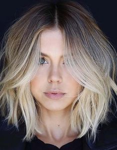 25 Cute Face Framing Balayage Lob Cuts for 2018. Lob styles with unique face framing layers is no doubt amazing way for ladies to create nowadays. You can make this style more elegant by blonde and balayage highlights in 2018. See all these ideas here and create these amazing face framing balayage blonde long bob haircuts for you to get obsessing hair looks in 2018.