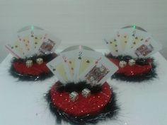 Enfeite de mesa -Las Vegas Las Vegas, Casino Night, Casino Theme, Christmas Wreaths, Holiday Decor, Crafts, Home Decor, Casino Theme Parties, Magic Party