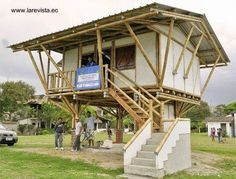 Hasil gambar untuk casas de madera o guadua colombia Bamboo House Design, Small House Design, Timber Architecture, Architecture Details, Bamboo Roof, Bamboo Building, Farm Plans, Bamboo Structure, Bamboo Construction